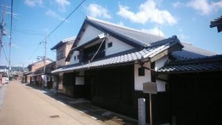 T様邸瓦葺き替え工事-立派な大屋根の家 瓦葺き替えさせていただきました。
